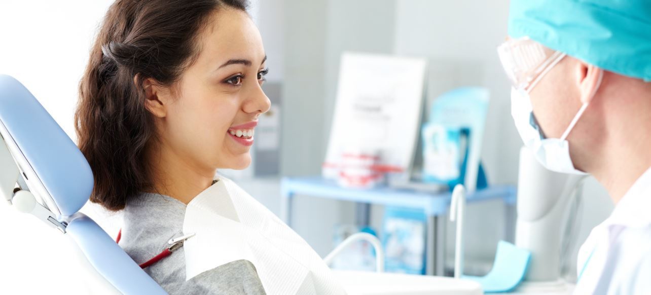 What does a dentist do in a check up?